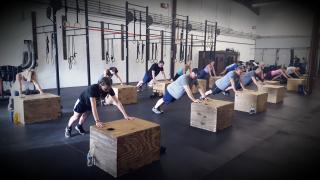 Box pushup 530